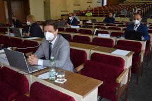 Tému sociálneho podniku otvoril na rokovaní poslancov Martin Ruščanský.