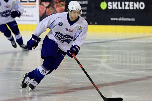 Andrej Kollár včera v Brne už korčuľoval na prvom tréningu Komety na ľade.