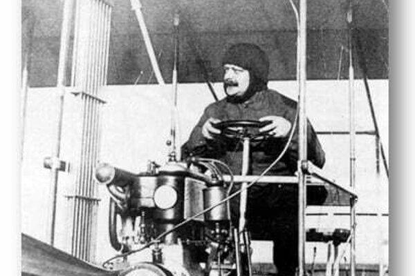 Eduard Penkala ako pilot dvojplošníka, ktorý sám navrhol
