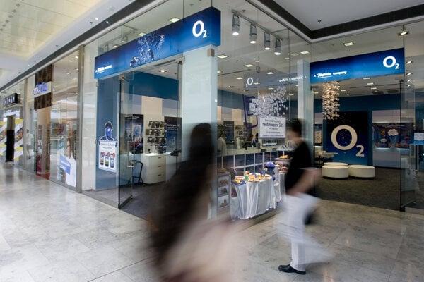 Aj O2 patrí do skupiny PPF českého miliardára Petra Kellnera. Renáta Kellnerová sa stala majiteľkou 83,57 percenta akcií O2 ČR.