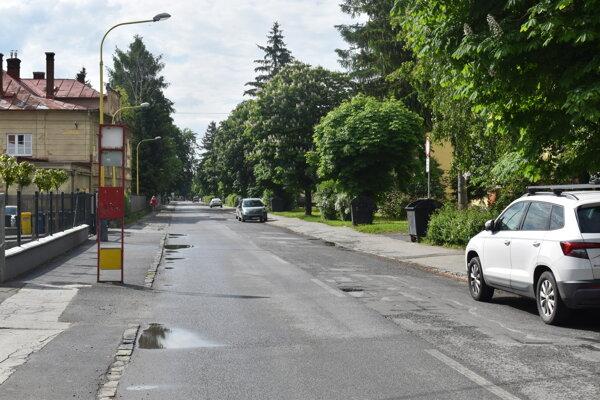 V utorok vyznačia 91 parkovacích miest a zjednosmernia ulicu Tarasa Ševčenka.