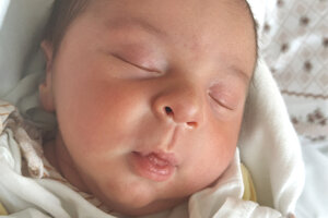 Benjamin Kosznovszki (3600 g a 49 cm) sa narodil v levickej nemocnici 18. apríla o 8.35 hodine rodičom Anikó a Kornelovi zo Želiezoviec.