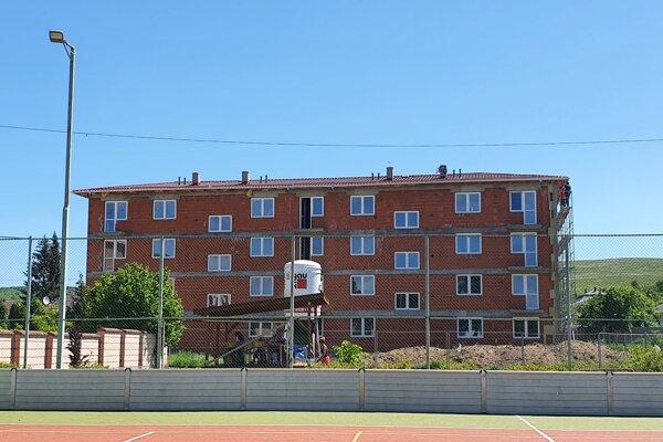 Výstavba nájomných bytov v obci Košická Polianka v okrese Košice-okolie.