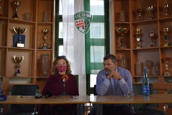 Primátorka mesta Prešov Andrea Turčanová (KDH) a prezident futbalového klubu a predseda predstavenstva 1. FC Tatran Miroslav Remeta.