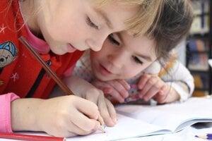 Akúkoľvek neistotu ohľadom schopností a zručností dieťaťa by rodič nemal podceňovať, ale riešiť s odborníkom.