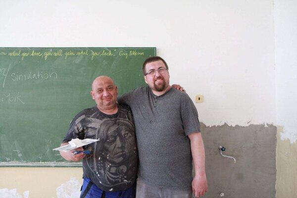Župné školy opravujú aj majstri zo Sociálneho podniku KSK.