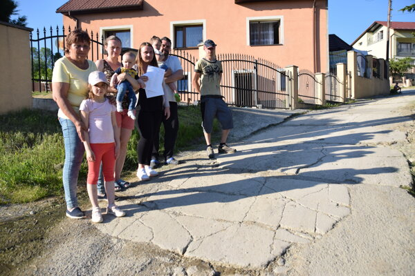 Obyvatelia Horelice - časť U Hlubiny majú sľubov už dosť.