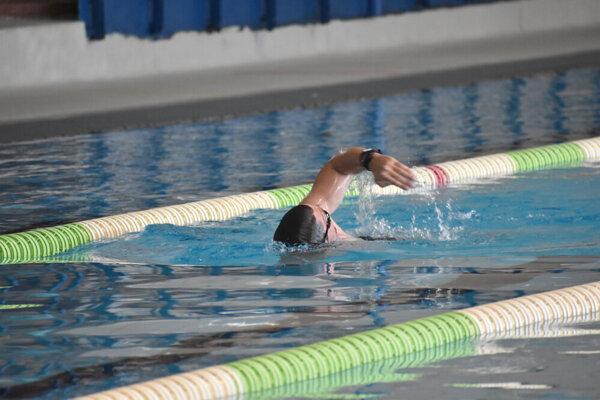Plavci si po vyše polroku môžu zašportovať na košickej plavárni.