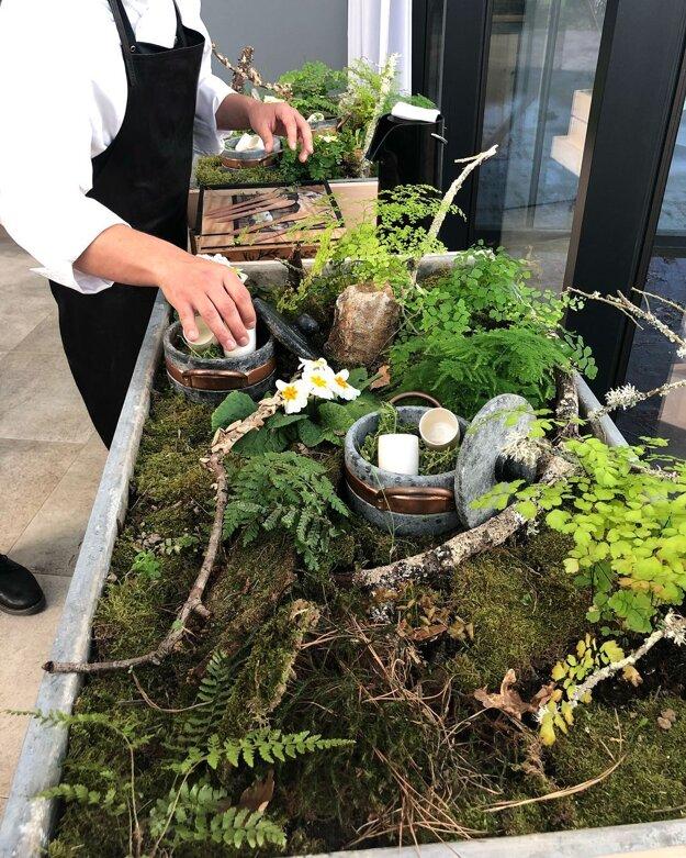 Filip rád fermentuje, suší, údi, zbiera bylinky a experimentuje.