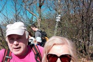Eva s manželom sú zanietení turisti.