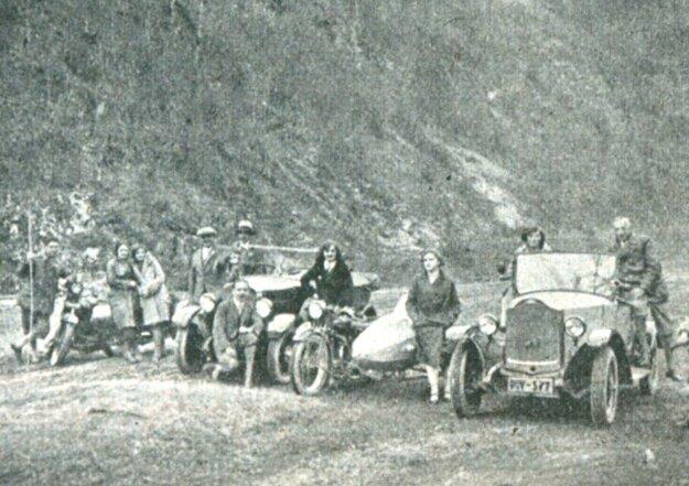 Takto kedysi vyzerali automobilové preteky pri Košiciach.