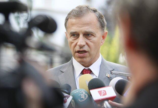 Mircea Geoana.