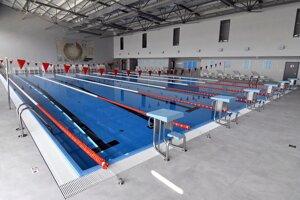 Zrekonštruovaná bazénová hala krytej plavárne.