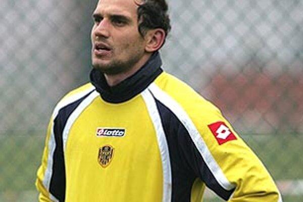 Štefan Senecký poletí so svojím novým klubom na sústredenie do Španielska.