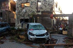 Tornádo zničilo dom rodiny Husovských v Hruškách.