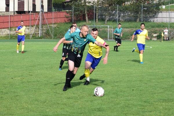 SKalité (v žltom) uhralo u susedov z Čierneho dôležitú remízu.