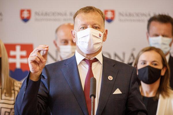 Boris Kollár počas tlačovej konferencie Sme rodina.