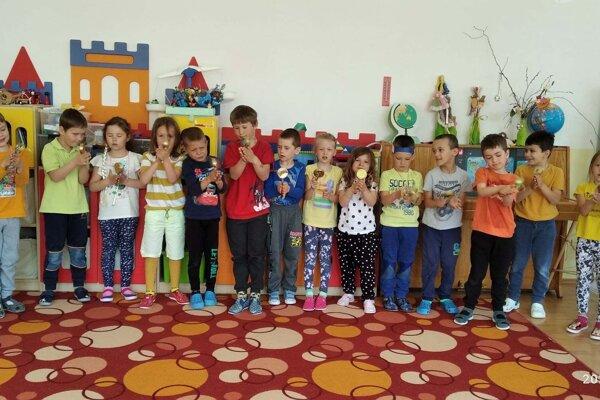 Deti v škôlke sa učili o svetadieloch.