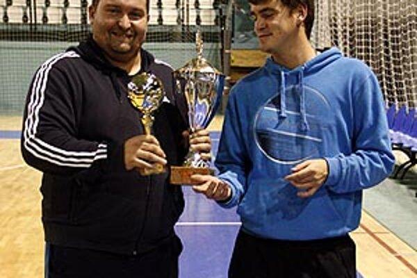 Šéf víťazov Radecký a organizátor Peter Peciar.