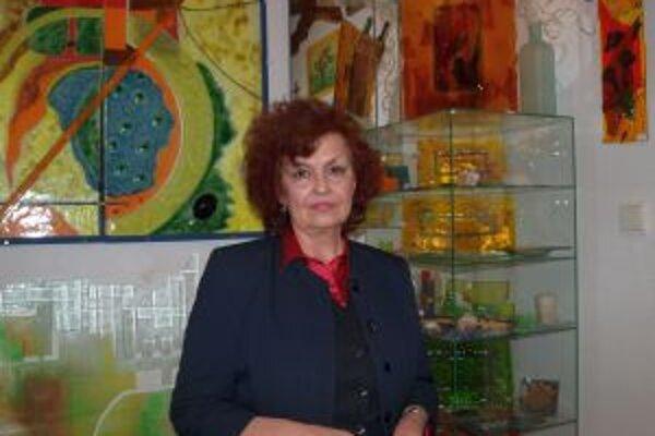 Viera Peterková a jej sklená krása.