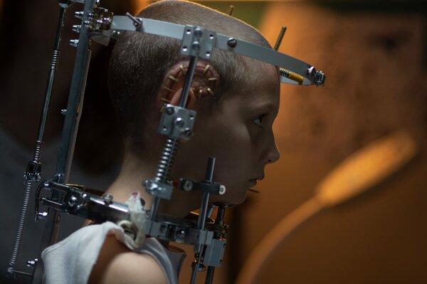 Film Titane vyvolal v Cannes nevoľnosť.