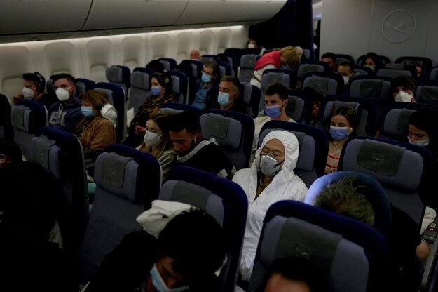 Pasažieri lietadla z Buenos Aires do Frankfurtu.