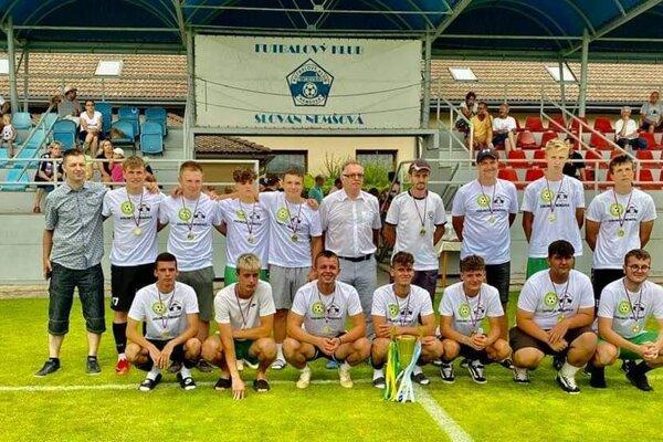 Dorastenci Ľuborče/Nemšovej.
