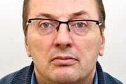 Na hľadaného Ivana Sýkoru vydal Okresný súd v Nitre príkaz na zatknutie pre prečin podvodu.