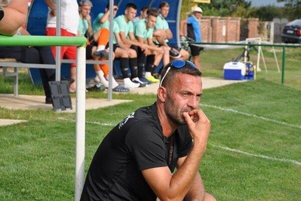 Tréner Miroslav Kopčan.