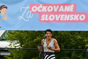 Predsedníčka strany Progresívne Slovensko Irena Bihariová počas verejnej manifestácie s názvom Za očkované Slovensko, ktorú organizuje mimoparlamentná strana Progresívne Slovensko