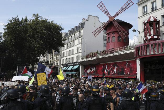 Pred Moulin Rouge bola najväčšia demonštrácia.