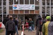 Očkovanie na zimnom štadióne v Prievidzi. ilustračné foto.