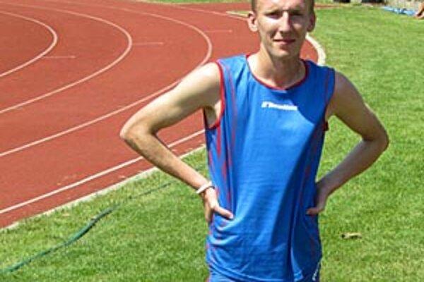 Ján Dömény je najnovšie juniorským majstrom SR v behu na ceste na 10 km.