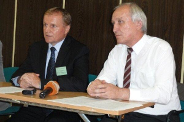 Predseda SPPK Milan Semančík (vľavo) kritizoval nerovnakú výšku podpôr v krajinách Európskej únie.