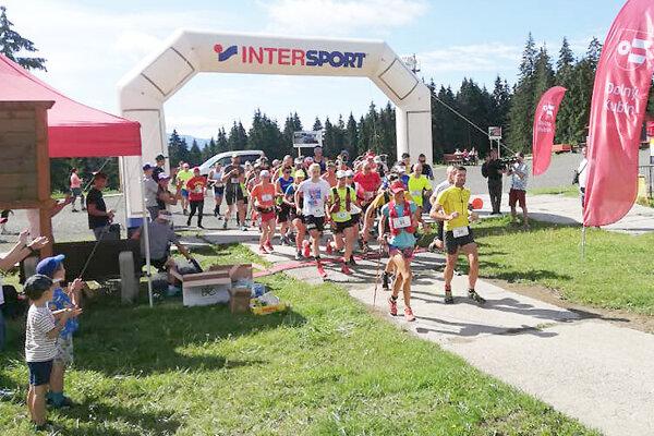 Na štart prvého ročníka Skyrun Kubínska sa postavila šesťdesiatka milovníkov horského behu.