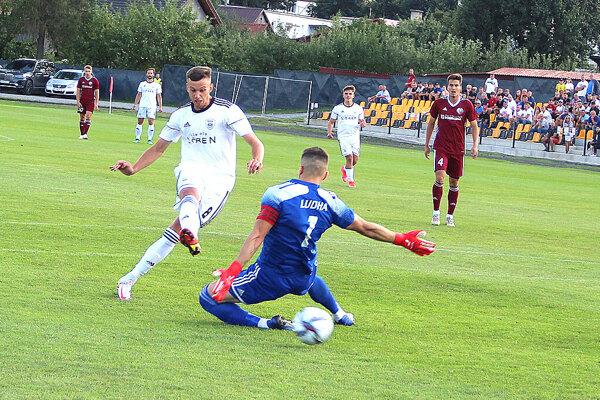 Takto strelil historický prvý gól Námestova vdruhej lige Samuel Farský.