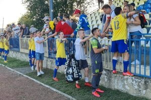 Napriek prehre sa domáci fanúšikovia FTC Fiľakovo poďakovali svojim hráčom za predvedený výkon v zápase s Košicami