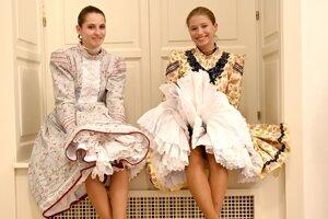Prehliadka tradičného odevu obce Parchovany pod názvom V Parchovenoch taka mouda v Múzeu a kultúrnom centre južného Zemplína v Trebišove.