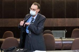Dobroslav Trnka sa postavil pred súd.