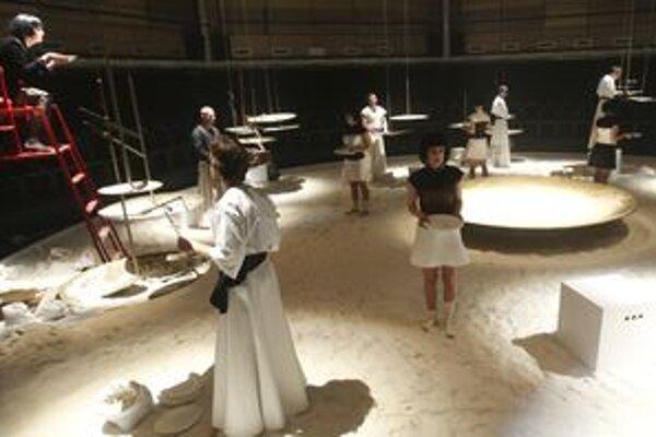 Divadelná Kuchyňa je mraveniskom ľudí a ich životných príbehov.