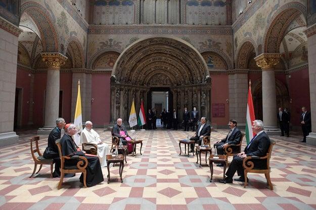 Stretnutie pápeža Františka s maďarským premiérom Viktorom Orbánom aj maďarským prezidentom Jánosom Áderom.