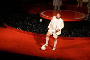 Martin Kochan v Inscenácii Futbal alebo Bílý andel v pekle