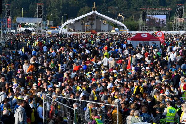 V Prešove čakalo na pápeža 40-tisíc ľudí.