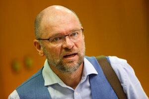 Richard Sulík pred rokovaním vlády.