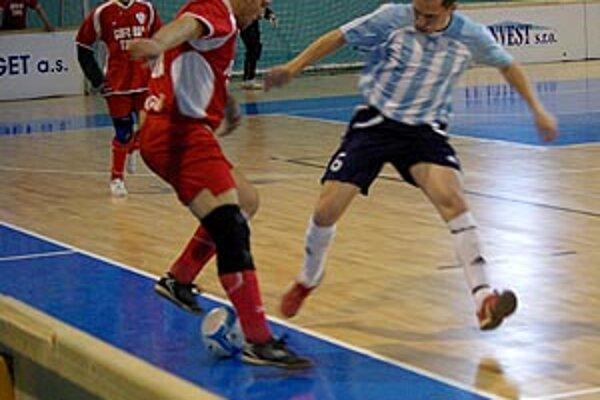 Do druhého hracieho dňa postúpilo päť tímov z predkvalifikácie. Víťazi dnešných skupín si vybojujú miestenku do tretieho finálového dňa.