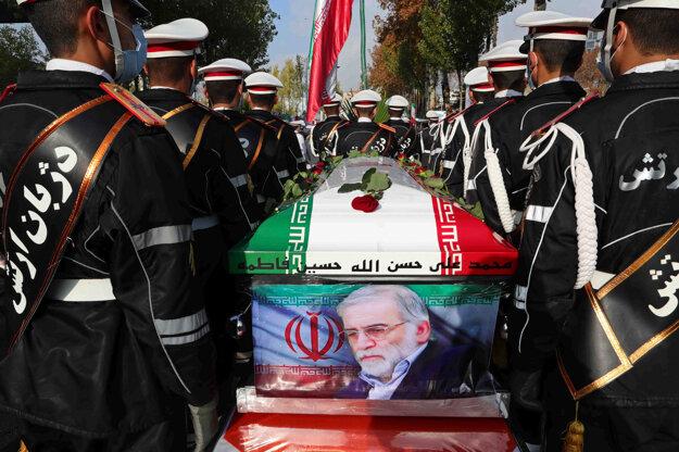 Pohreb šéf iránskeho jadrového programu Mohsena Fachrizadeha.