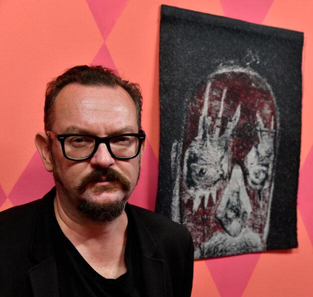 Martin Gerboc na svojej výstave Prekrásny nový svet vo White&Weiss Gallery.