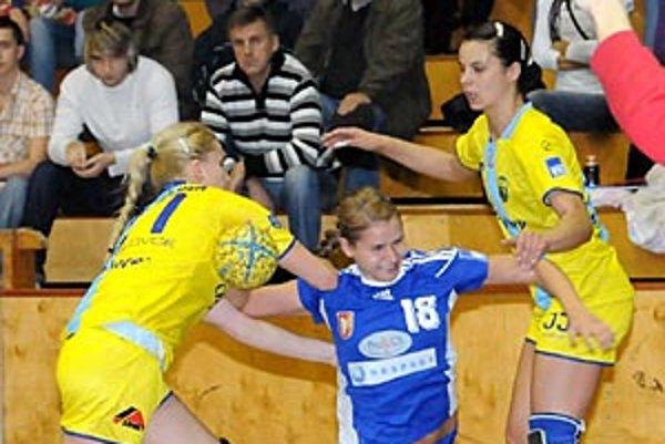 Mladá spojka Dusla Simona Szarková zaznamenala desať gólov.