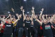 Maďarskí fanúšikovia počas zápasu Maďarsko - Anglicko, kvalifikácia na MS vo futbale 2022.