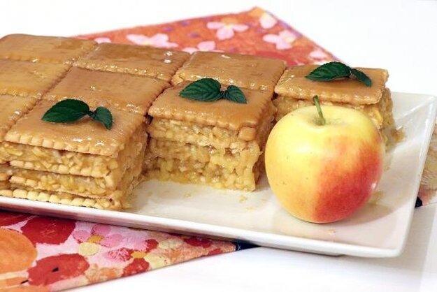Nepečený jablkový koláč